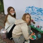 Dwie malujące dziewczyny