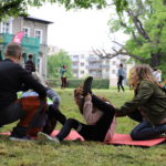 Ćwiczenia gimnastyczne w parku